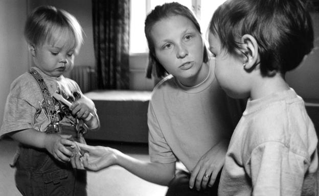 nainen-ja-lapset-paivakodissa